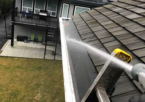 exterior gutter washing